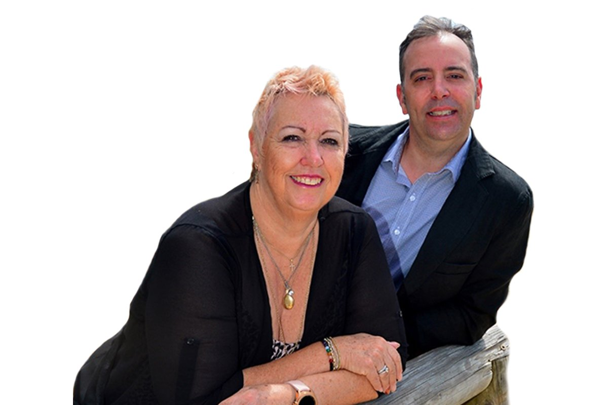 Buyer's Agents Sue & SImon Scott from Scott Properties